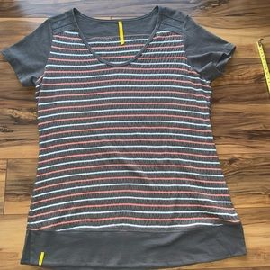 Lolë scoop neck stripes T-shirt L
